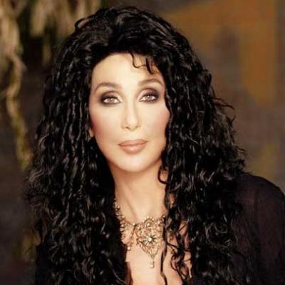 Cher: Βγήκε στους δρόμους με την μάσκα ομορφιάς στο πρόσωπο!
