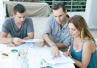 Ο Π. Μπουγιούρης στα γυρίσματα της νέας σειράς του Mega Κύπρου