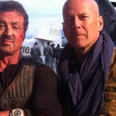 Ποιος είπε τον Bruce Willis ξινή emo-σκύλα; Και άλλες 4 διαμάχες του Willis, πριν τον Stallone.