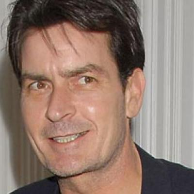 O Charlie Sheen, ξεκατινιάζεται άσχημα!
