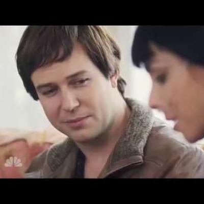 Η Sarah Silverman σατιρίζει το «Fault in Our Stars» για το SNL