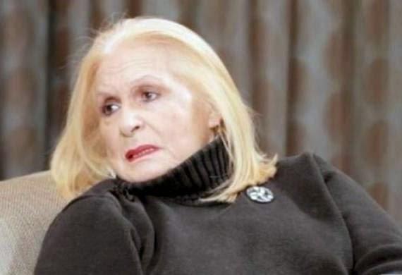 «Λύγισε» η Μπέτυ Βαλάση: «Φοβάμαι να παίξω στο θέατρο, δε θα μπορώ να μιλήσω»