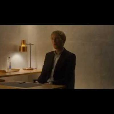 Domhnall Gleeson και Oscar Isaac στο απόσπασμα του «Ex Machina»