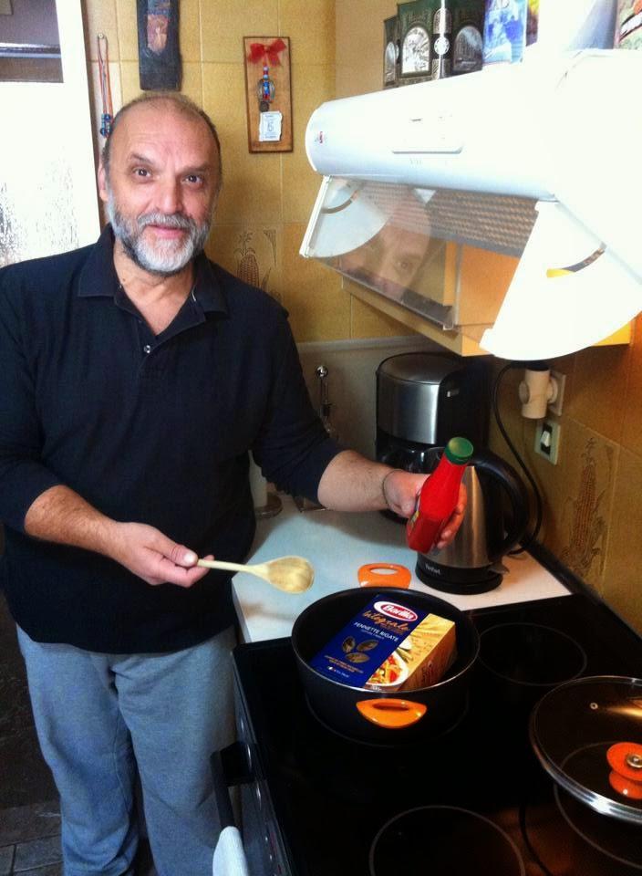 Πάνος Αμαραντίδης: Στην ώρα η καλή είχα βάλει την Ρουγγέρη να παρουσιάζει εκπομπή μαγειρικής με τον τίτλο «Άρωμα Ανατολής». Σου θυμίζει κάτι;