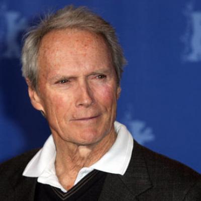 Ο Clint Eastwood σώζει τη ζωή σηκώνοντας άνθρωπο 90 κιλών!