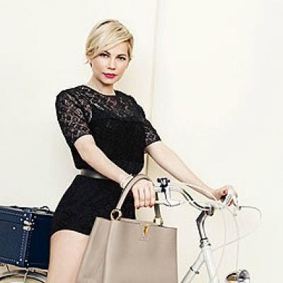 Η Michelle Williams φωτογραφίζεται για τη Louis Vuitton