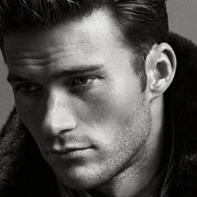 Ο πανέμορφος γιος του Clint Eastwood λανσάρει την καμπάνια της Hugo Boss