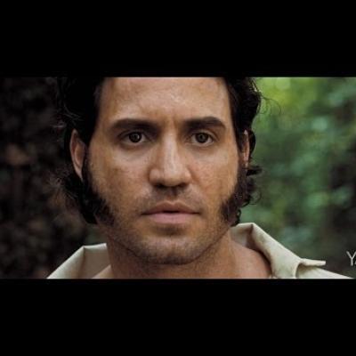 «Το πεπρωμένο του ανθρώπου είναι η ελευθερία». O Edgar Ramirez είναι ο «Liberator».