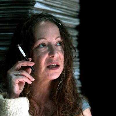 Η Λυδία Φωτοπούλου διαβάζει Κοσμά Πολίτη