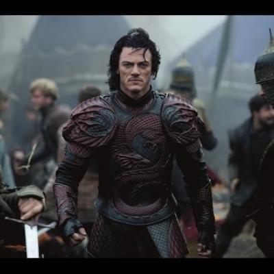 Ο Luke Evans μεταμορφώνεται στον Δράκουλα στο νέο trailer του «Dracula Untold»