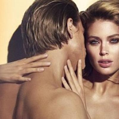 H Doutzen Kroes γυμνή στο πλευρό του Charlie Hunnam για την Calvin Klein!