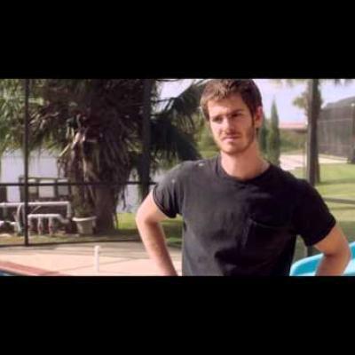 Ο Andrew Garfield χάνει το σπίτι του σε άλλο ένα trailer για το «99 Homes»