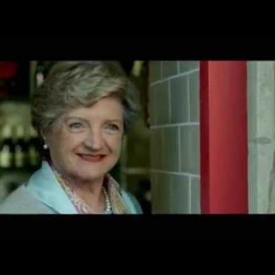 The Casual Vacancy trailer - Το βιβλίο της J.K Rowling που έγινε τηλεοπτική σειρά.