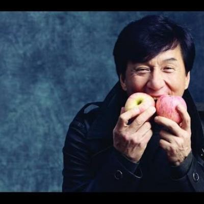 Όλα τα τρελά stunts του Jackie Chan σε ένα βίντεο