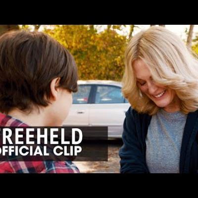 Η Ellen Page και η Julianne Moore στο απόσπασμα του «Freeheld»