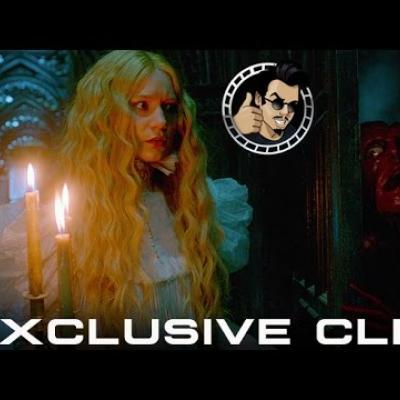 Τρομακτικές εκπλήξεις στους διαδρόμους του Crimson Peak για τη Mia Wasikowska