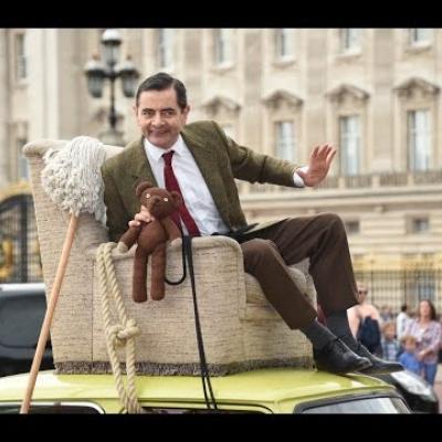 O Rowan Atkinson γιόρτασε τα 25α γενέθλια του Mr Bean με τον καλύτερο τρόπο