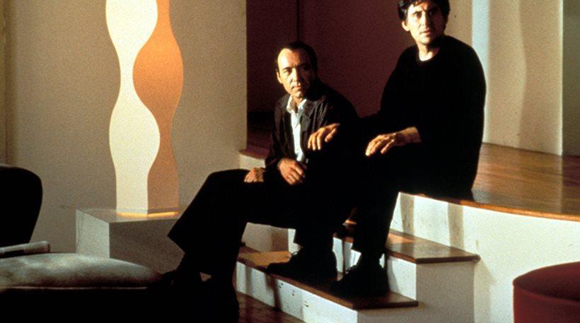 Gabriel Byrne: «Η ανάρμοστη συμπεριφορά του Spacey σταμάτησε τα γυρίσματα της ταινίας The Usual Suspects»