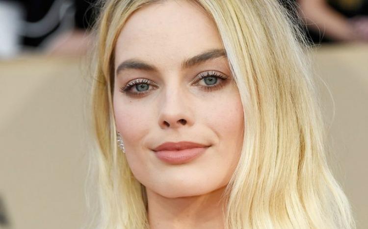 H αντίδραση της Margot Robbie για την πρώτη της υποψηφιότητα Όσκαρ είναι όλα τα λεφτά
