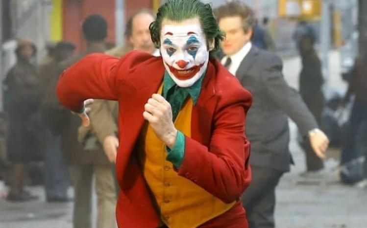 Oι πρώτες φωτογραφίες του Joaquin Phoenix σαν Joker