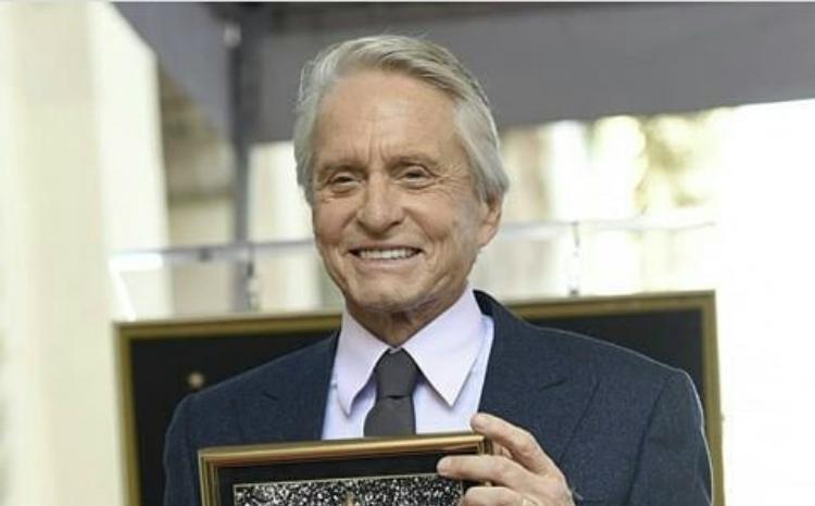 Michael Douglas: Μετά από 50 χρόνια απέκτησε Αστέρι στη Λεωφόρο της Δόξας