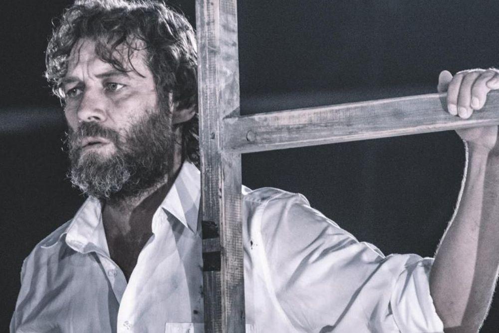 «Αγαμέμνων» σε σκηνοθεσία Τσέζαρις Γκραουζίνις στο Αρχαίο Θέατρο Επίδαυρου