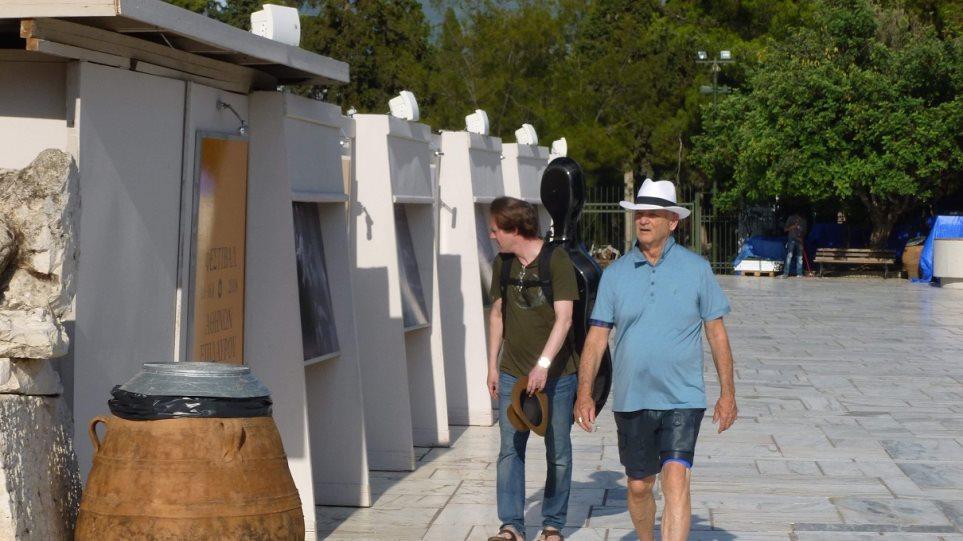 Φωτογραφίες: Οι βόλτες του Mπιλ Μάρεϊ στο Ηρώδειο