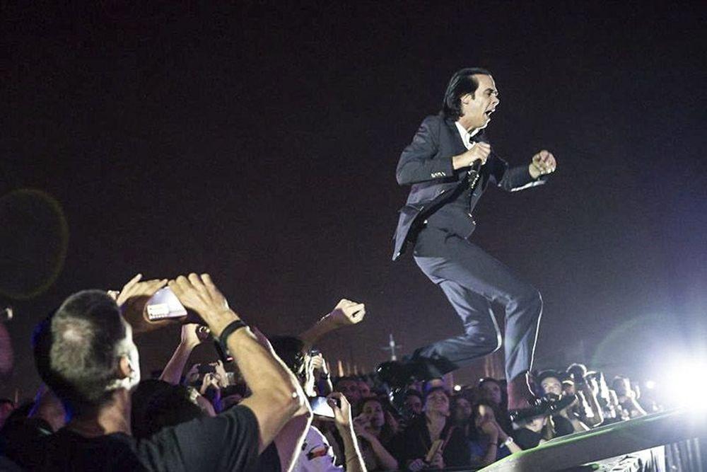 Άστραψε και βρόντηξε... ο Nick Cave