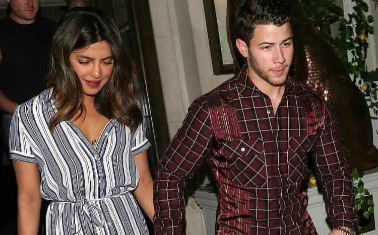 Οι Jonas Brothers σε ραντεβού με τις κοπέλες τους Priyanka Chopra και Sophia Turner