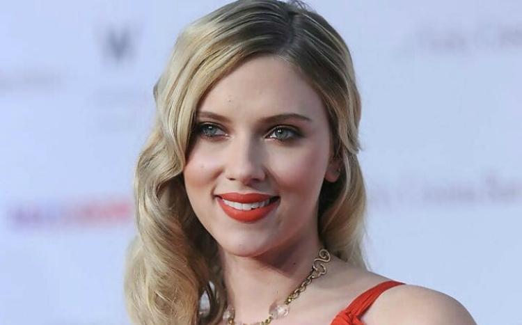 H Scarlett Johansson είναι η πιο ακριβοπληρωμένη ηθοποιός