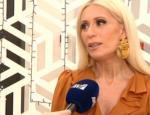 Μαρία Μπακοδήμου: «Βαρέθηκα να ακούω για το ντεκολτέ μου»