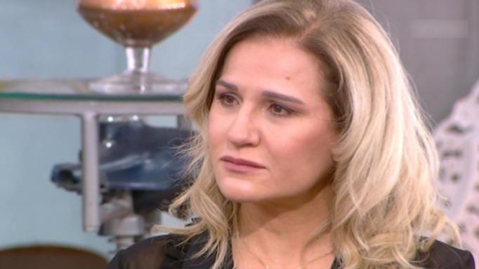Η Μπέσυ Μάλφα λύγισε στον αέρα: «Δεν μπορώ να αναπνεύσω»