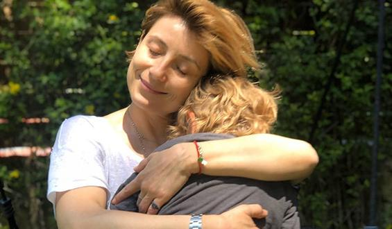 Ευδοκία Ρουμελιώτη: H τρυφερή φωτογραφία με τον γιο της