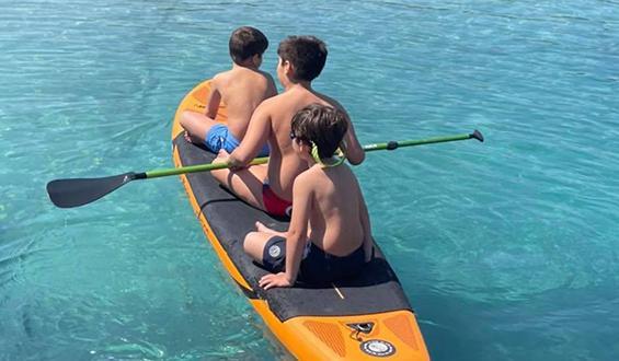 Παιχνίδια στη θάλασσα για τα παιδιά γνωστού παρουσιαστή!