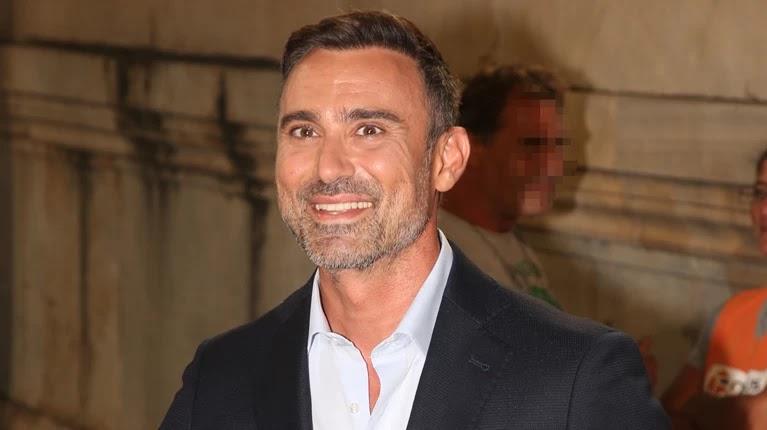 Ο Γιώργος Καπουτζίδης ένα βήμα πριν κλείσει την νέα του σειρά στην ΕΡΤ