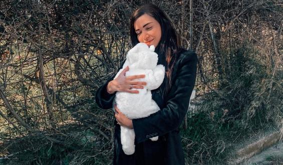 Όλγα Φαρμάκη: Βόλτα με την τριών μηνών κόρη της!