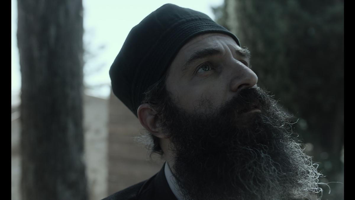 O «Ανθρωπος του Θεού» με τον Άρη Σερβετάλη κάνει πανελλήνια πρεμιέρα στο 11ο Athens Open Air Film Festival