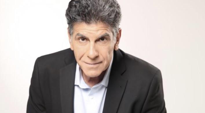 Γιάννης Μπέζος: «Η τηλεόραση παραμένει συντηρητική, φοβόμαστε»